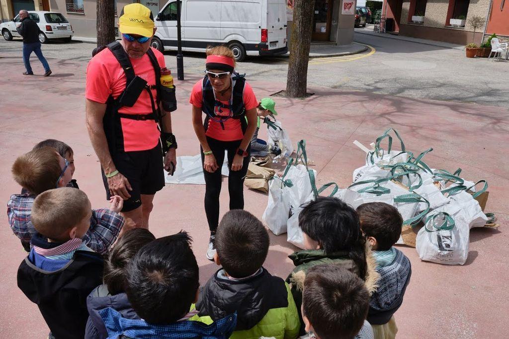 Ultra Clean Marathon, Una Neteja De Brossa I Activitats Educatives A La Platja Del Varador De Mataró