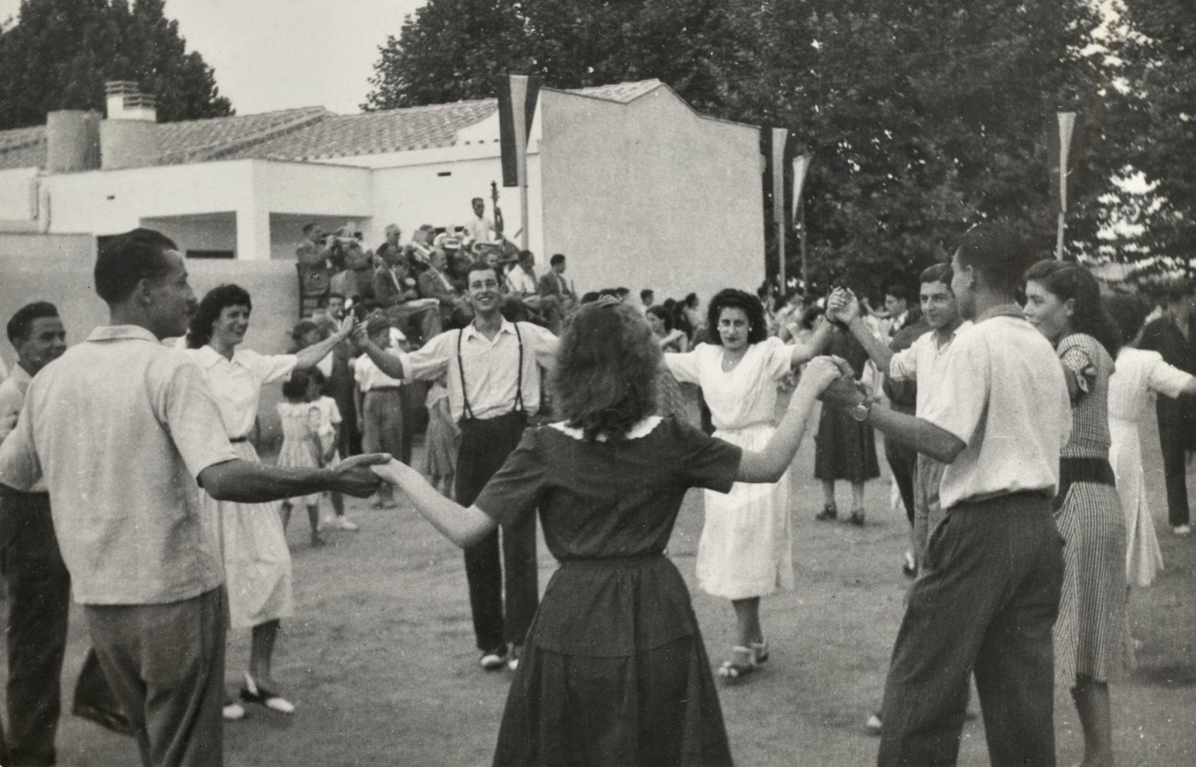 La Fundació Iluro Organitza Una Exposició Que Commemora Els 70 Anys De La Ciutat Jardí