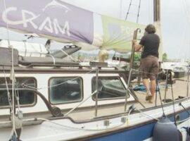 L'Associació Posidònia 2021 realitza un mostreig per avaluar l'estat del mar